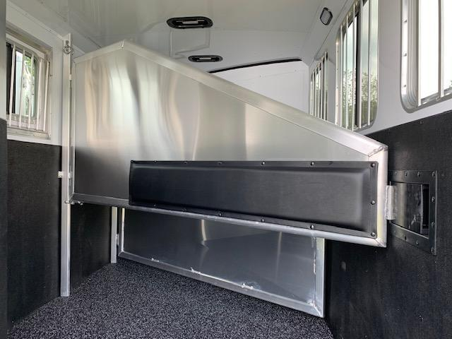 2019 Exiss 7300 3 Horse Slant Load Gooseneck- Easy Care Flooring