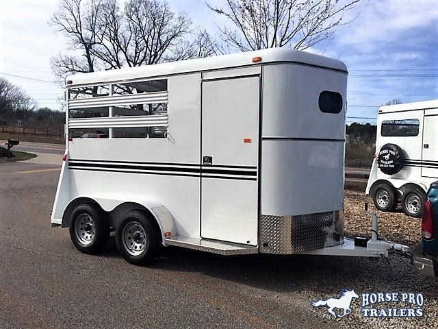2018 Bee 2 Horse Slant Load Bumper Pull w/Stock Sides