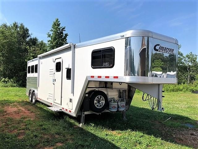 2018 Cimarron Norstar 3 Horse 10'9 Outback Living Quarters w/Slide Out