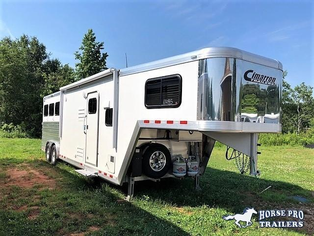 2018 Cimarron Norstar 3 Horse 10'9 Outback Living Quarters w/Slide Out in Ashburn, VA