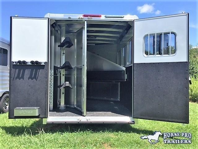 2019 Exiss Escape 3 Horse 8'6 Living Quarters- POLYLAST FLOOR! in Ashburn, VA