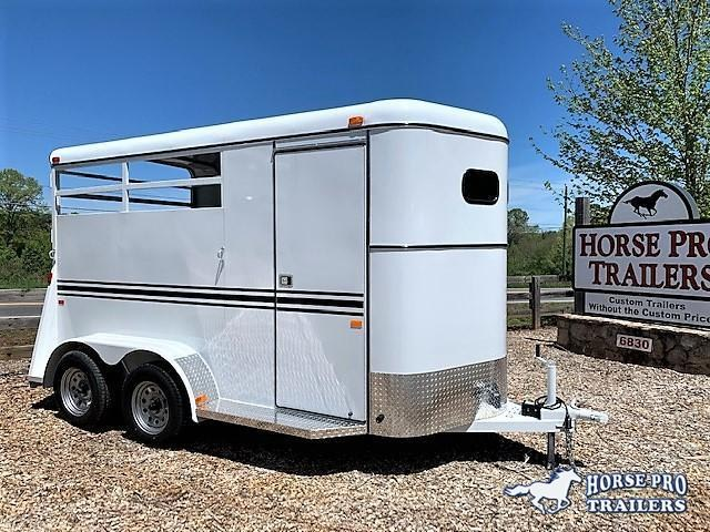 2020 Bee 2 Horse Slant Load Bumper Pull w/DROP WINDOWS  in Ashburn, VA
