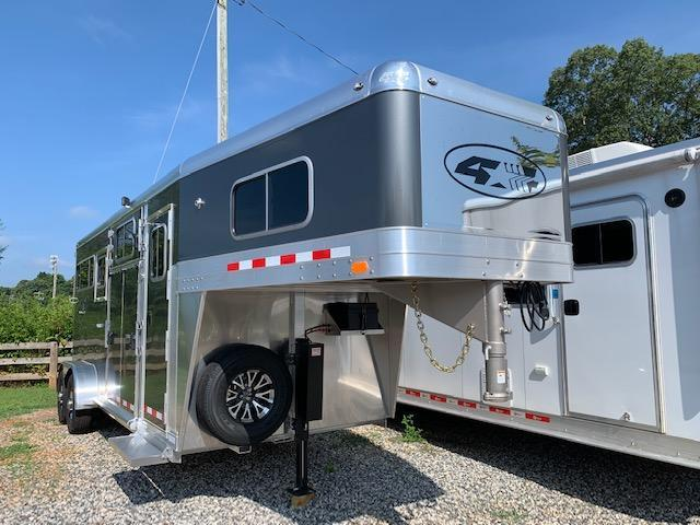2020 4-Star 2+1 Gooseneck 18' w/QUIET RIDE & HYDRAULIC JACK!