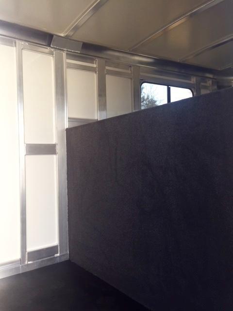 2020 Cimarron Lonestar 24' Stock Combo Gooseneck w/SIDE RAMP