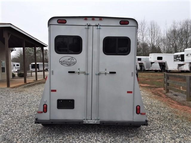 2019 Bee 2 Horse Straight Load Bumper Pull w/Walk-Thru Door