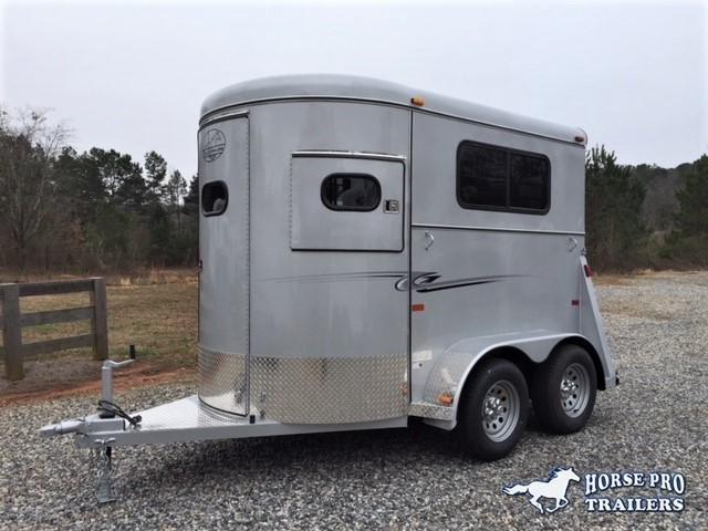 2019 Bee 2 Horse Straight Load Bumper Pull w/Walk-Thru Door in Ashburn, VA