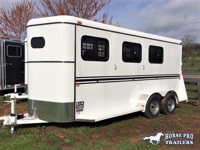 2019 Bee 3 Horse Slant Load Bumper Pull- DROP WINDOWS on Head