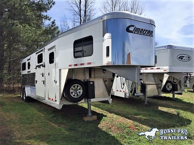 2019 Cimarron 2+1 Gooseneck w/5' DRESSING ROOM & HYDRAULIC JACK! DEALER DEMO!!