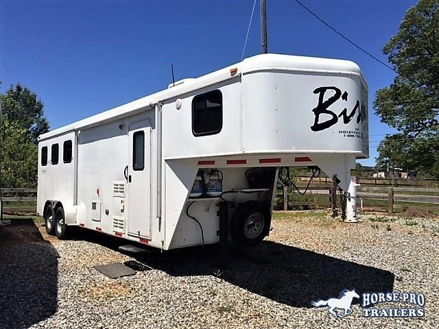 2013 Bison Trail Hand 3 Horse 8' Living Quarters
