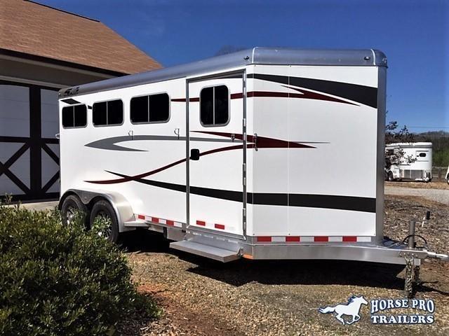2020 4-Star 3 Horse Slant Load Bumper Pull w/ROOF INSULATION & STUD PANEL in Ashburn, VA