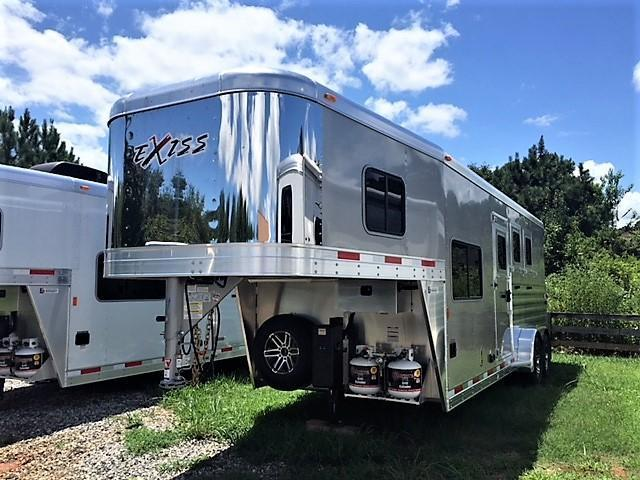 2019 Exiss Escape 3 Horse 6'6 Living Quarters- POLYLAST FLOOR!