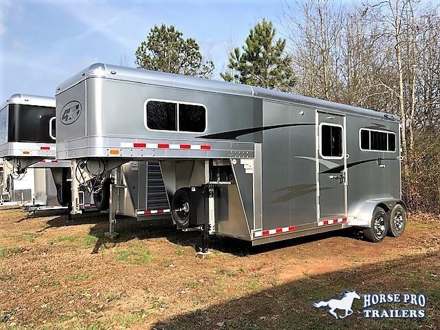 2019 4-Star 2 Horse Straight Load Gooseneck w/5' DRESSING ROOM & HYDRAULIC JACK!