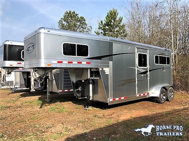 2019 4-Star 2 Horse Straight Load Gooseneck w/5' DRESSING ROOM & HYDRAULIC JACK!