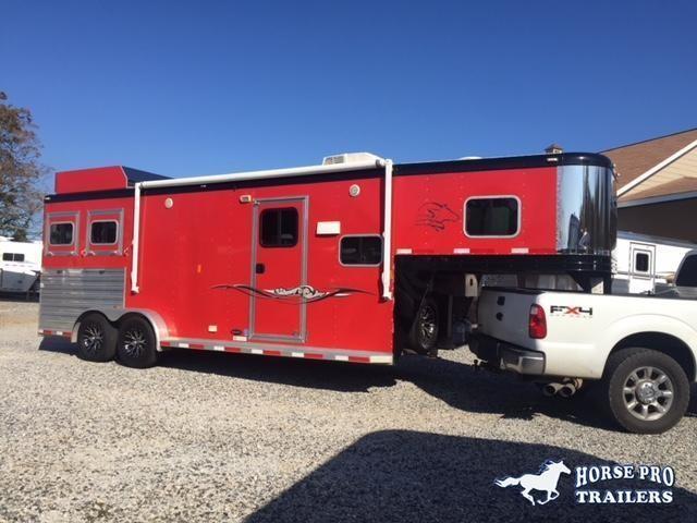 2013 Sooner 2 Horse 11' Sierra Living Quarters