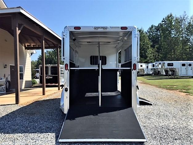 2019 Cimarron Norstar 2 Horse Straight Load Bumper Pull XL w/Side Ramp