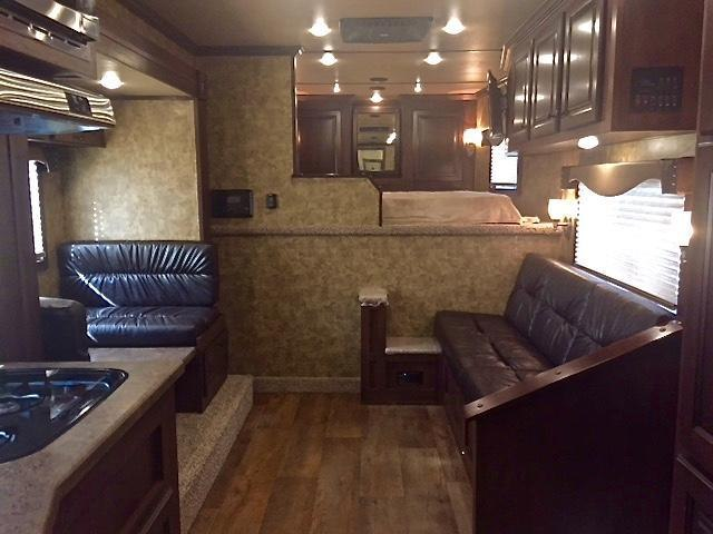 2019 Exiss Endeavor 4 Horse 14' Living Quarters w/Slide Out Sofa & Dinette