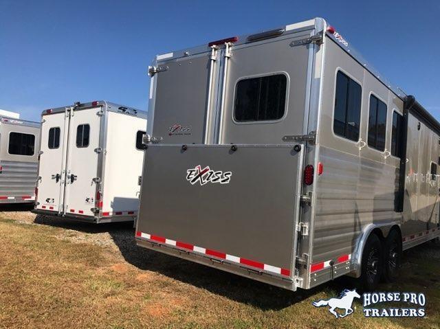 2019 Exiss Endeavor 4 Horse 14' Living Quarters w/Slide Out Sofa & Dinette