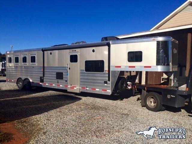 2019 Exiss Endeavor 4 Horse 14' Living Quarters w/Slide Out Sofa & Dinette in Ashburn, VA