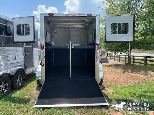 2019 Cimarron Norstar 2 Horse Straight Load Bumper Pull w/WERM FLOORING!