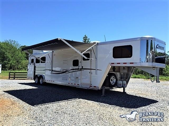 2018 Cimarron 3 Horse 14'8 Outback Living Quarters w/Side Load- Full Rear Tack & GENERATOR!