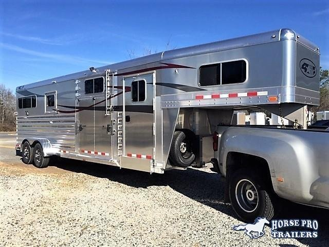 2020 4-Star 2+1 Gooseneck w/WERM FLOORING & QUIET RIDE!