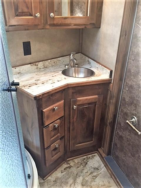 2019 4-Star Deluxe 3 Horse 13'2 Outback Living Quarters w/Slide Out- WERM FLOORING & RAMP!