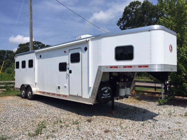 2019 Kiefer Genesis 3 Horse 10'6'LSR Living Quarters