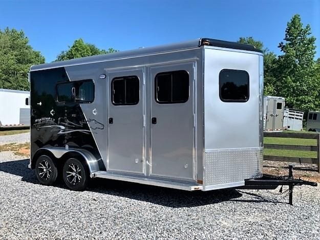 2019 Homesteader 2 Horse Straight Load Bumper Pull w/INSULATION & RUMBER FLOORING!