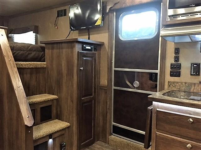 2018 Sierra 3 Horse 13'6 Living Quarters w/Slide Out & Side Load & Full Rear Tack
