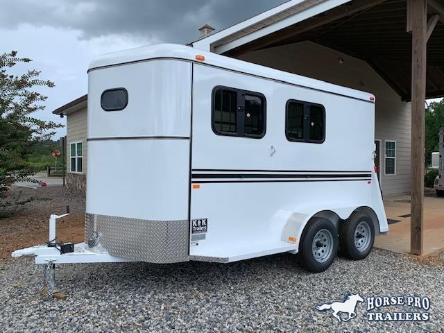 2020 Bee Trailers 2 Horse Slant Load Bumper Pull XL Horse Trailer