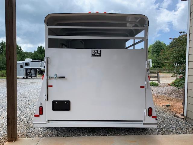 2020 Bee Trailers 2 Horse Slant Load Bumper Pull XL Horse Trailer