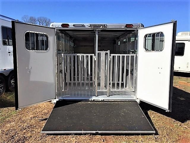 "2018 Cimarron Showstar 20'6 Low Pro Pig/Stock Bumper Pull - 7'6"" Wide w/ADJUSTABLE PENS!"