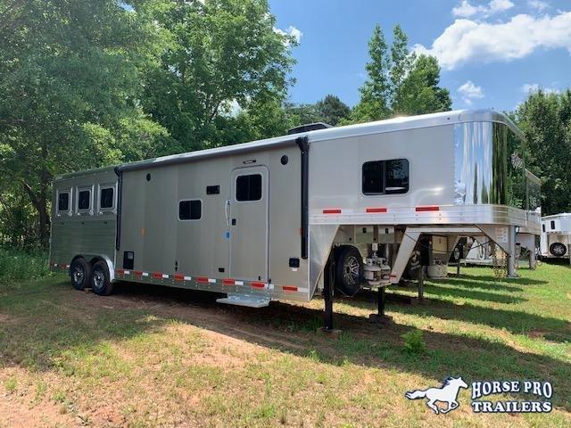 2019 Exiss Endeavor 3 Horse Slant Load 12'6 Living Quarters w/Slide Out- ROOF INSULATION & RAMP! in Ashburn, VA