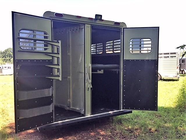 2015 Platinum 3 Horse Slant Load Gooseneck- VERY GENTLY USED! JUST SERVICED!