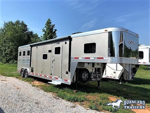 2019 Exiss Endeavor 3 Horse Slant Load 12'6 Living Quarters w/ Slide Out & RAMP!