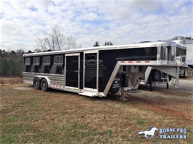 2019 Cimarron Showstar 25' Low Profile Enclosed Pig/Stock Gooseneck w/Side Ramp