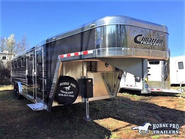 2019 Cimarron Showstar LX 25' Low Pro Enclosed Pig/Stock Gooseneck w/Side Ramp in Cornelia, GA