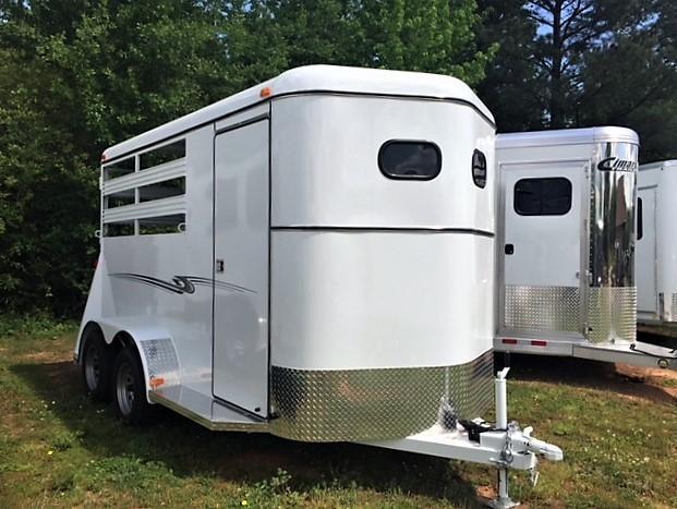 2018 Bee Durango 2 Horse Slant Load Bumper Pull w/Escape Door