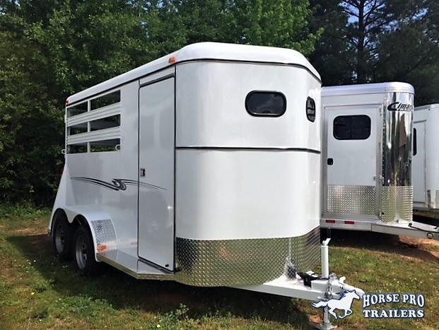 2019 Bee Durango 2 Horse Slant Load Bumper Pull w/Escape Door