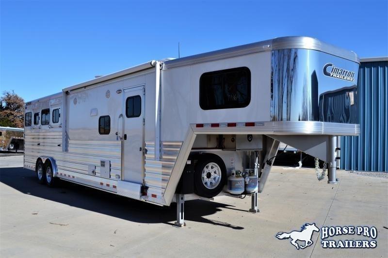 2019 Cimarron Norstar 4 Horse 12'6 Outback Living Quarters w/Slide Out & FULL WIDTH RAMP! in Ashburn, VA
