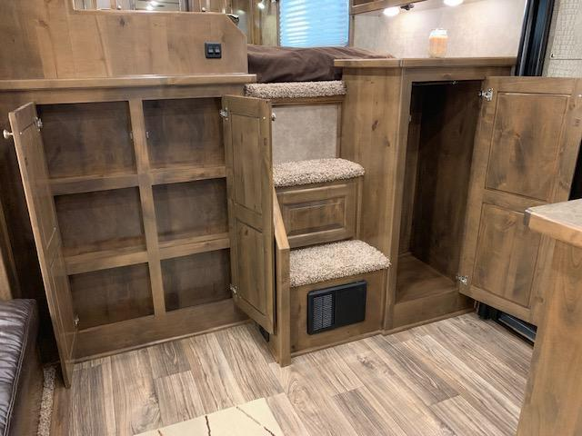 2019 Cimarron Norstar 4 Horse 12'6 Outback Living Quarters w/Slide Out & FULL WIDTH RAMP!