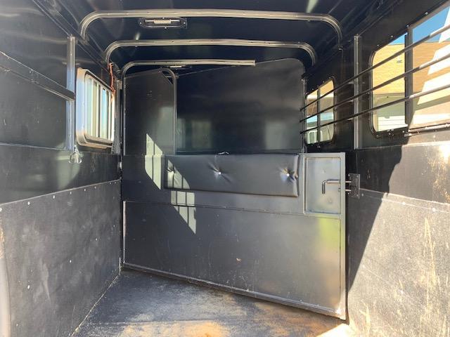 2017 Bee 2 Horse Slant Load Bumper Pull w/STUD PANEL & FULLY ENCLOSED!