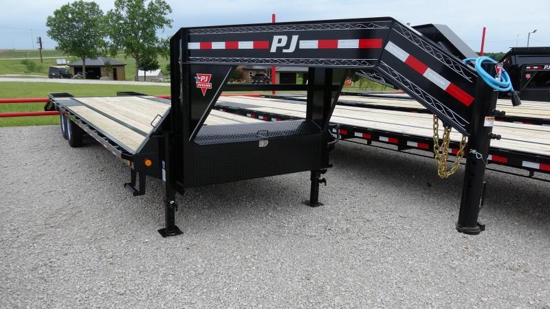 """2020 PJ 102""""x30' Low Pro Gooseneck Flatbed w/Flipover Ramps (LS) (CL)"""