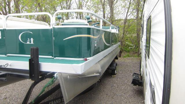 2013  20' Grand Island Pontoon Boat