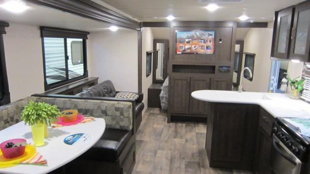 2018 Wildwood X-Lite 263BHXL Travel Trailer