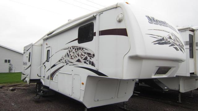 2008 Keystone RV MONTANA 3075RL Fifth Wheel Campers