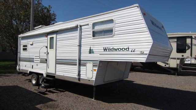 2003 Wildwood 25RKSS Fifth Wheel