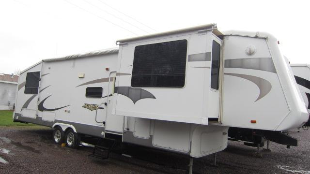 2005 CrossRoads RV Silverado 37FL Fifth Wheel