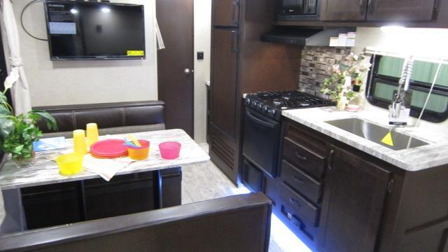 2019 East To West 27KNS Travel Trailer