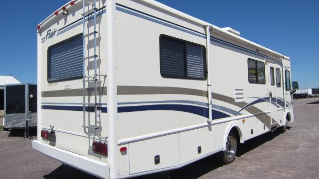 2001 Fleetwood RV Flair 30H Workhorse Class A RV